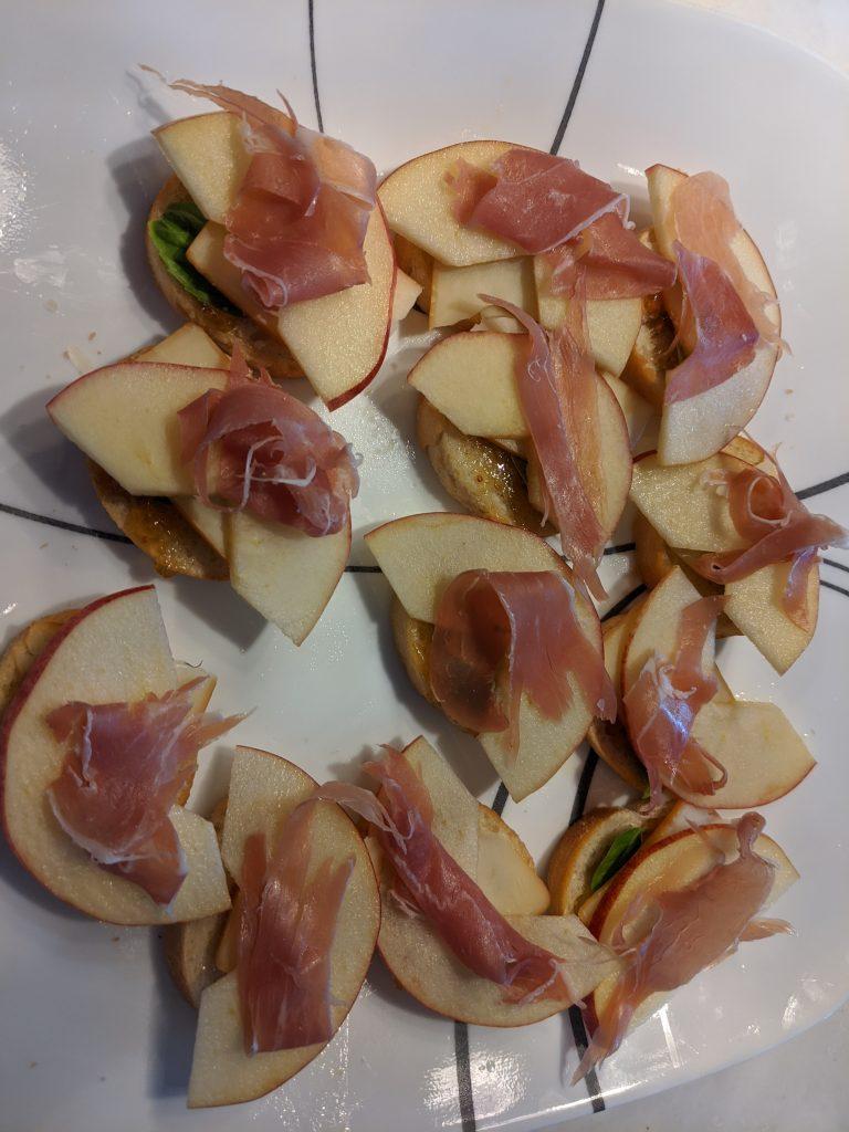 prosciutto raw apple appetizer