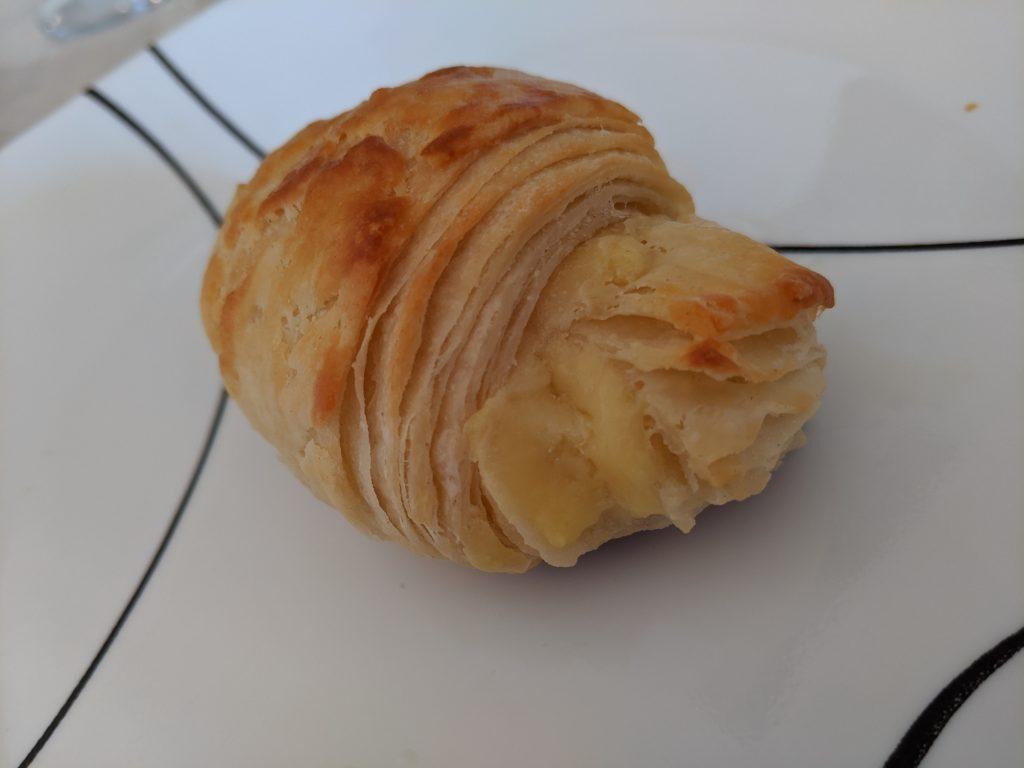 stuffed vanilla custard croissant dessert
