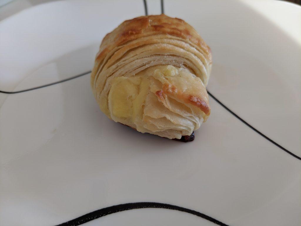 vanilla custard croissant dessert