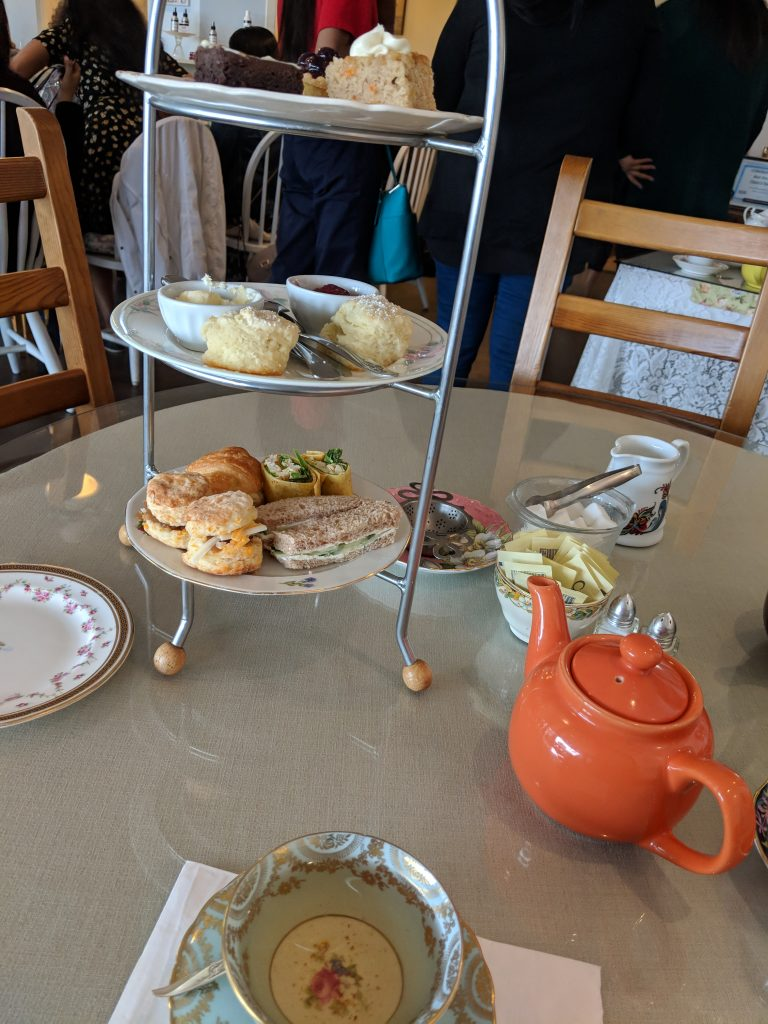 how to serve afternoon tea