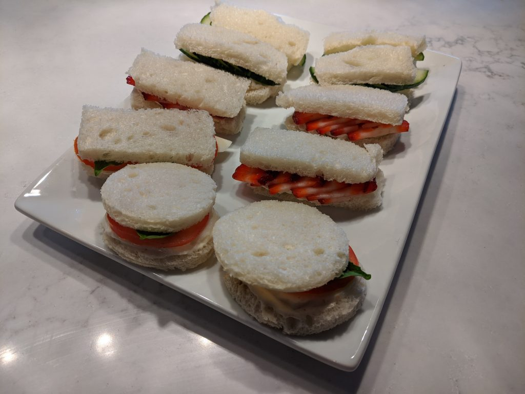 how to display sandwiches on a platter