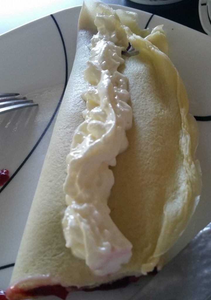 What do crepes taste like?