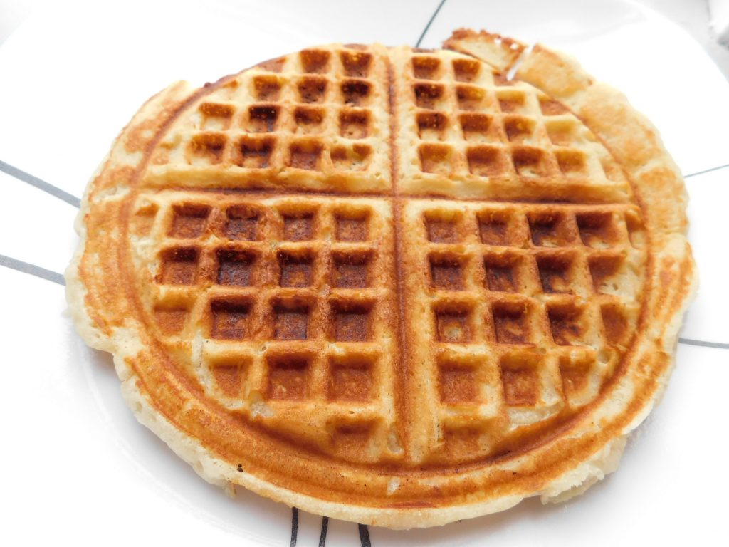 How to keep waffles warm without getting soggy