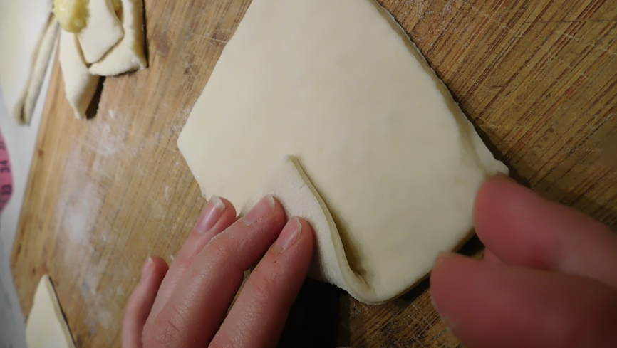 How to make an envelope Danish pastry shape