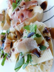 Prosciutto Appetizer with Cheese