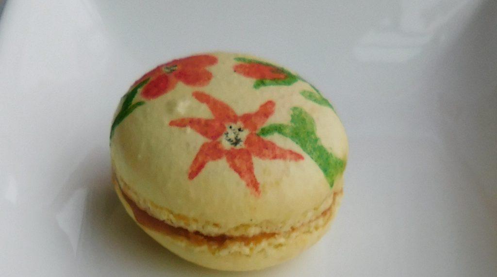 Christmas macaron flavors